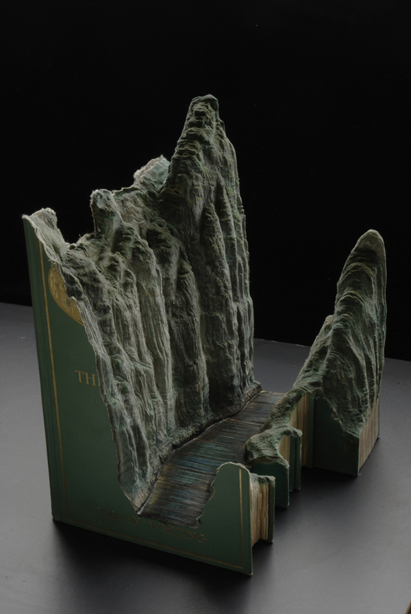 book10 The Art of Book Carving