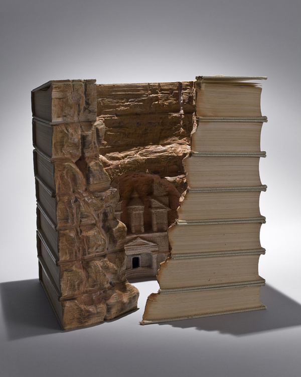 book15 The Art of Book Carving