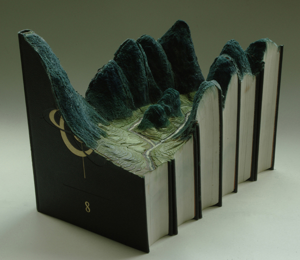 book19 The Art of Book Carving