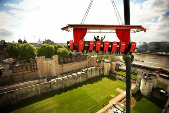 dinner in the sky elevated dining london 2LI8P 744