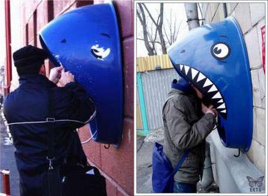 shark phone booth 8Lbt1 6648