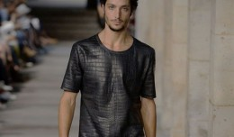Hermes-crocodile-t-shirt-550x412