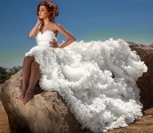 toilet-paper-wedding-dresses-third-place