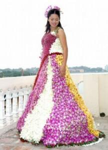 unique-real-flowers-wedding-dress