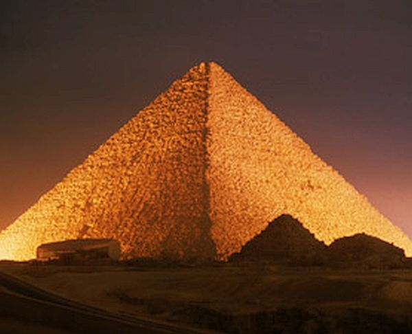 Great Pyramid of Giza (1)