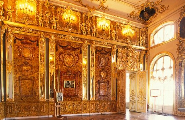 AAT7X1 Amber room in Catherine the Great's Palace Tsarskoye Selo St Petersburg