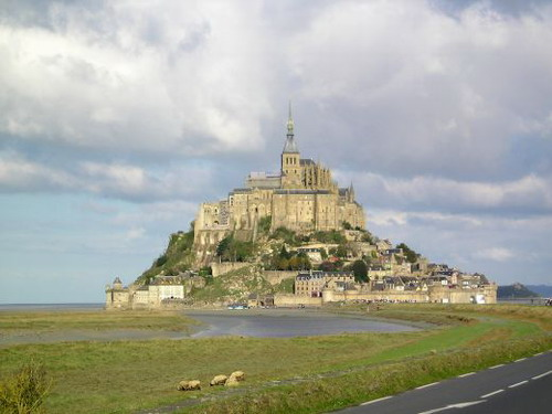 Mont Saint Michel Castle Top 10 Castles and Palaces around the world